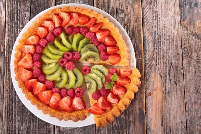 Crostata alla frutta, la ricetta di un dolce ricco di proprietà benefiche per la salute