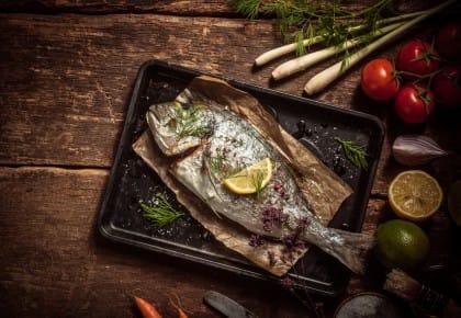 Cresce il consumo di pesce a tavola ma è sempre meno proveniente dai nostri mari