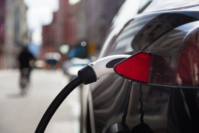 Il futuro dice Auto elettriche. Entro il 2030 sostituiranno quasi del tutto i diesel