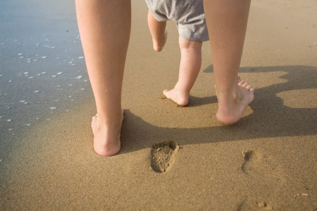 benefici-camminare-a-piedi-scalzi-vantaggi (4)