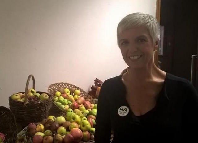 La donna che salva i frutti a rischio estinzione. Isabella lavora in un giardino di 440 piante. Preziose (foto)