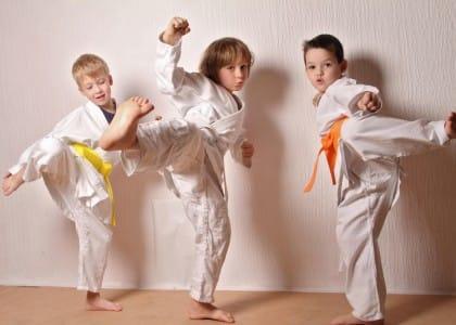 Come scegliere lo sport giusto per i bambini, dal calcio al tennis, anche in base all'età