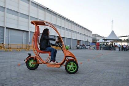 Scuter, il motorino elettrico per il servizio sharing che si guida senza casco (Video)