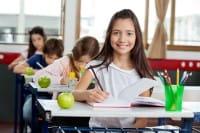 Frutta per merenda a scuola, al posto delle merendine: il progetto che combatte anche gli sprechi