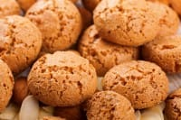 """La ricetta per preparare gli amaretti, deliziosi biscottini in perfetto """"stile non sprecare"""""""