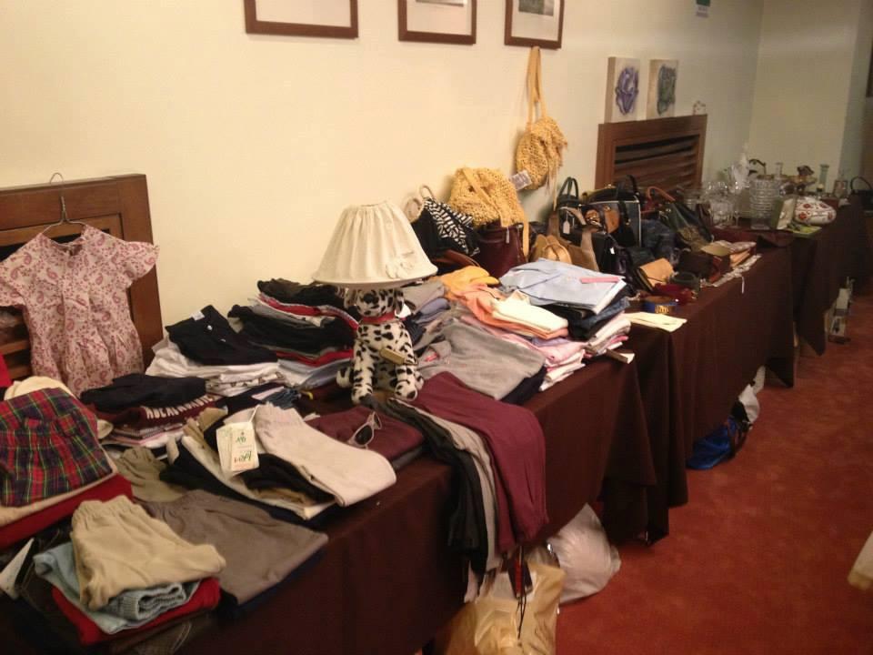 Mercatino alizeta cos aiutiamo 400 donne africane for Il mercatino roma