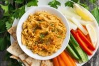Pesto di carote: la ricetta di una salsa deliziosa che non spreca le bucce