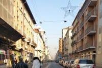 A Milano un gruppo di vicini di casa si auto tassa per aiutare i meno fortunati