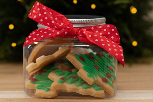 Regalare Biscotti Di Natale.Ricetta Biscotti Natalizi Con Glassa Non Sprecare