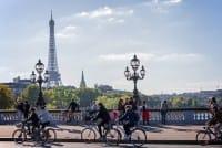 """A Parigi """"Il 2017 sarà l'anno della bici"""", parola del sindaco Anne Hidalgo"""