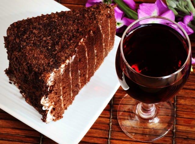 Torta di cioccolato al vino rosso, una ricetta semplice per un risultato paradisiaco