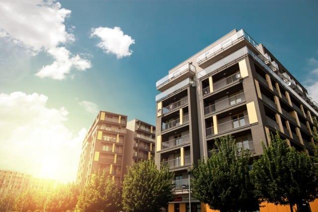 Risparmiare con il condominio e non litigare con il vicino: l'unione fa davvero la forza
