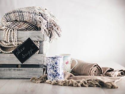 Come lavare le coperte di lana, a mano o in lavatrice, senza sprechi