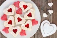 Cuori di frolla, la ricetta per preparare in casa i biscotti per la colazione di San Valentino
