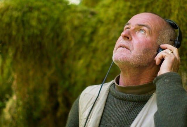 Gordon Hempton, il musicista del silenzio che registra la natura (Video)
