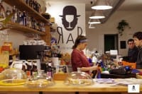 RaB, il caffè letterario di Milano che aiuta i disabili, li fa lavorare, e crea comunità
