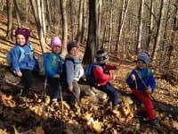 Il bosco dei piccoli, un asilo all'aperto dove i bambini imparano dalla natura (Foto)