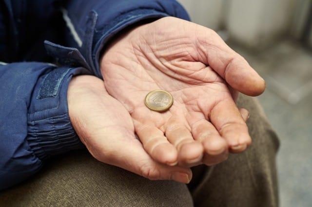 iniziative-per-aiutare-poveri-sospeso (3)