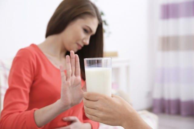 Intolleranze e allergie alimentari, come affrontarle in modo corretto, con il medico giusto e senza sprechi