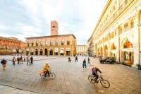 Bella Mossa!, a Bologna il programma che premia chi si muove in città a piedi o in bici