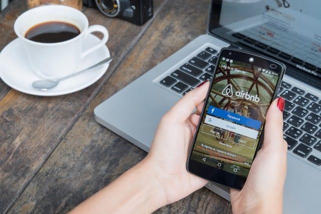 pro-e-contro-uber-airbnb (2)