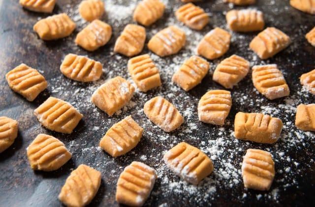 ricetta-gnocchi-di-ceci (4)