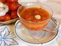 Sugo di pomodori freschi, un condimento sano e nutriente per la pasta e la pizza (Foto)