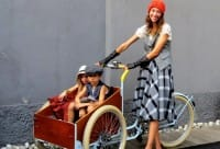 Cargo bike, le biciclette per le mamme che si vogliono muovere in città con i bambini
