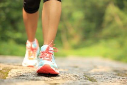 come camminare in modo corretto