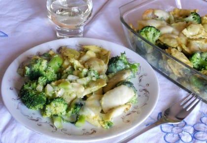 Ravioli al forno, la ricetta con i broccoli che recupera i formaggi avanzati (foto)