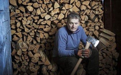 Praticare l'antica arte del legno per capire il legame profondo tra uomo e natura (Foto)