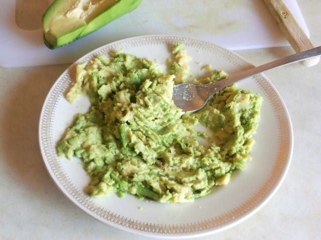 ricetta-pasta-pesto-avocado (4)