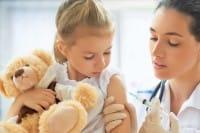 Vaccini obbligatori nelle scuole, perché drammatizzare e alimentare paure?