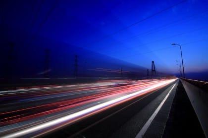 Manto stradale ad induzione, ovvero ciò che vi indurrà a desiderare un'auto elettrica