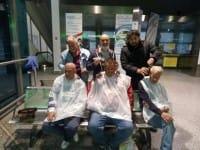 Parrucchieri solidali, per le strade di Palermo per fare barba e capelli ai clochard