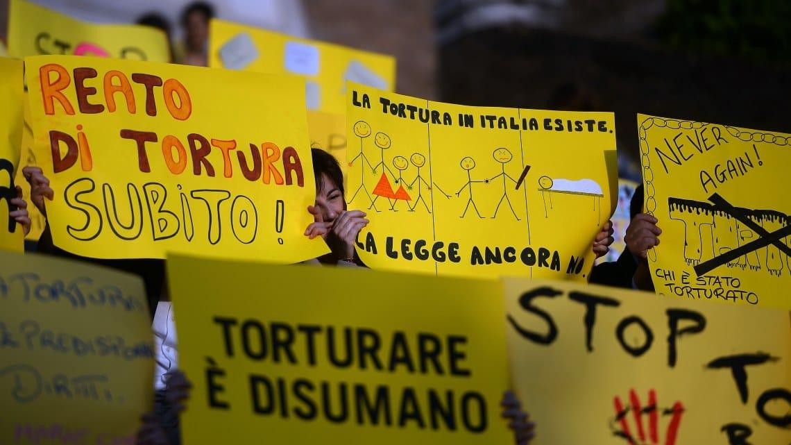 reato tortura italia