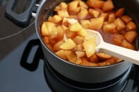 Sciroppo di albicocche, la ricetta perfetta per rendere più gustosi i gelati fatti in casa