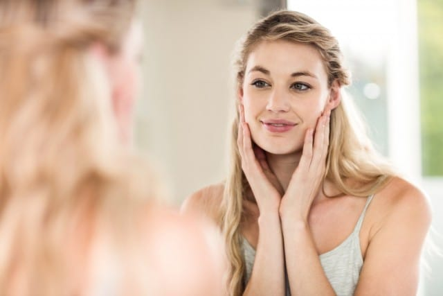 I rimedi naturali per nutrire e curare la pelle, contrastando la comparsa delle rughe