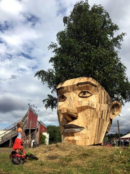 thomas-dambo-sculture-legno (1)