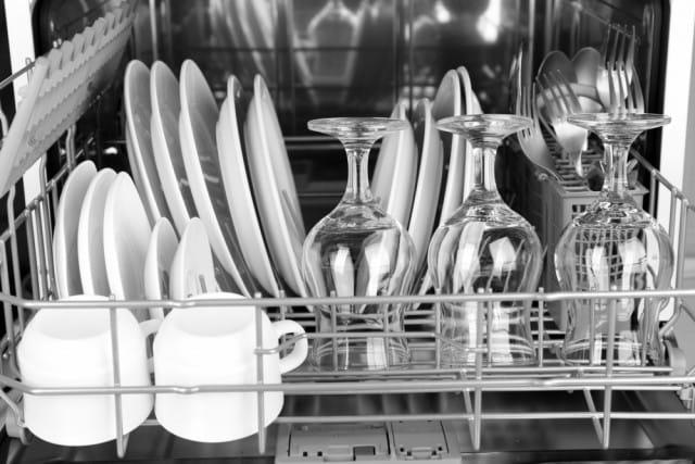 come-pulire-lavastoviglie-rimedi-naturali (2)