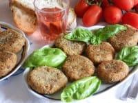 Burger di patate con legumi, la ricetta di un secondo piatto saporito, nutriente e sano (foto)