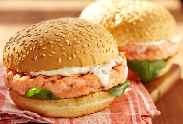 ricetta-hamburger-salmone (1)