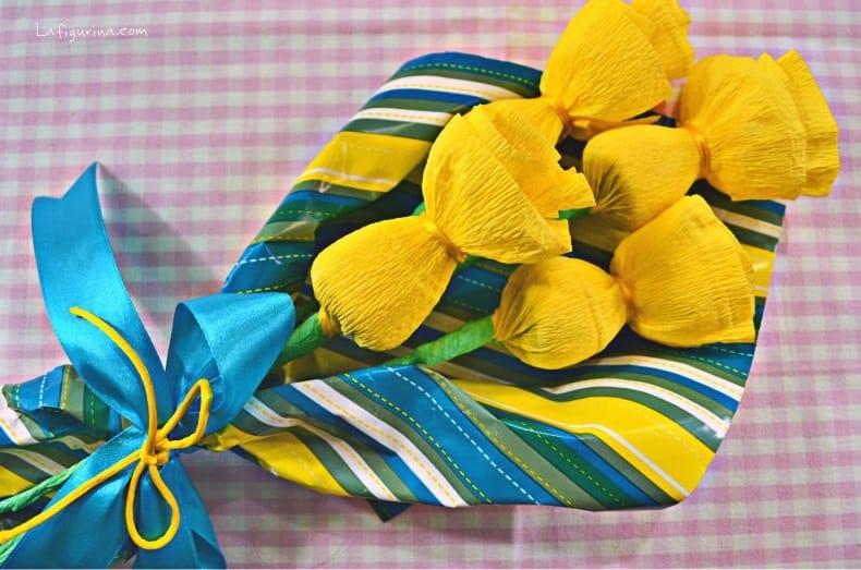 Come realizzare fiori con la carta