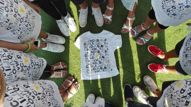 Fabula, l'iniziativa che spinge i ragazzi a lasciare lo smartphone per scrivere favole (foto)