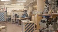 Solidarietà e sostenibilità per dar vita alla linea di mobili 'Akrat officine' (foto e video)