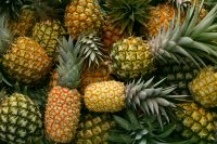 Proprietà e benefici dell'ananas. Sazia in fretta, è anti-age, sgonfia il ventre. E rafforza i denti