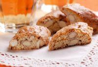 Cantucci alle nocciole, la ricetta per farli in casa. Con zucchero di canna, farina e lievito