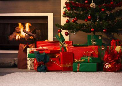 Ansia da regali, uno stress inutile e stupido. Le donne ne soffrono meno, e sappiamo i motivi
