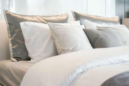 Lavare le lenzuola: quando è necessario e tutti i consigli utili per un letto sempre pulito e igienizzato