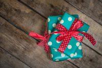 Riciclo dei regali di Natale, i consigli per non sprecarli. Partendo dalla vendita online